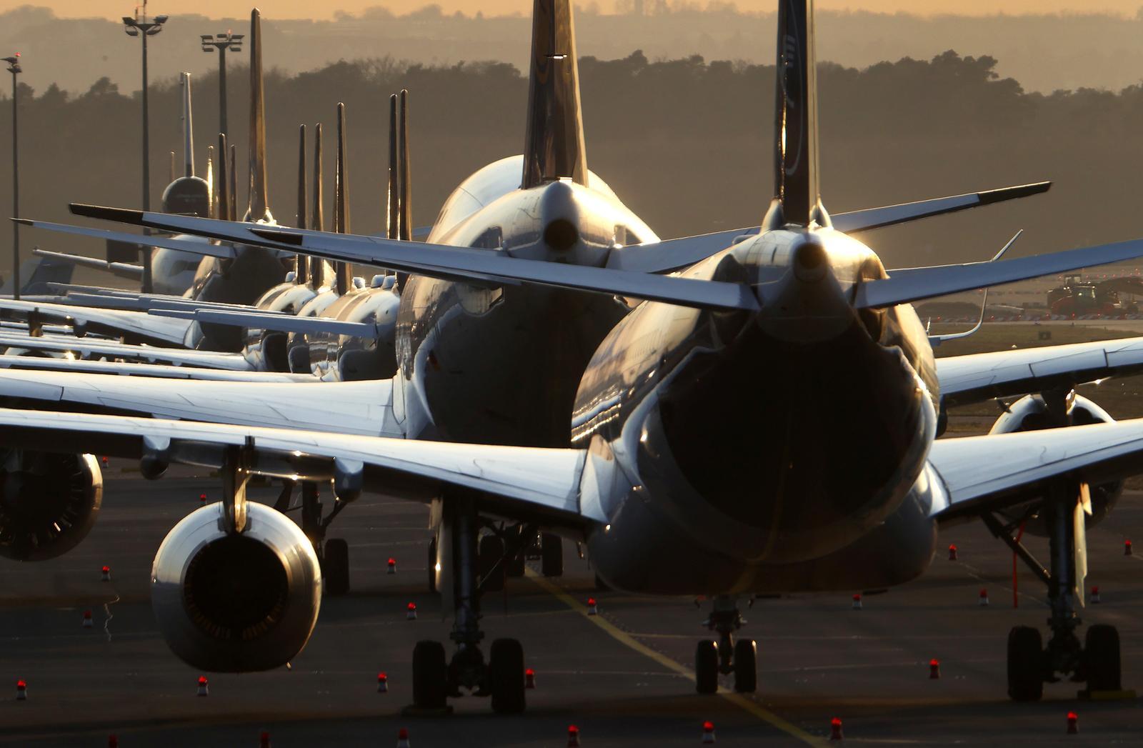 Linie lotnicze dają vouchery zamiast gotówki