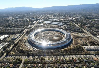 Apple Campus 2 w Cupertino, Kalifornia, USA