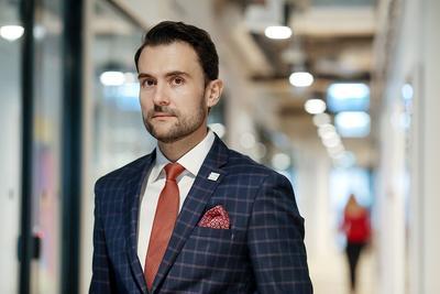 Platforma Social.Estate ma łączyć inwestorów indywidualnych z deweloperami powierzchni handlowych. Inwestorzy będą mieć udziały w zyskach z czynszu — tłumaczy Marcin Pabijanek, dyrektor generalny Petram House.